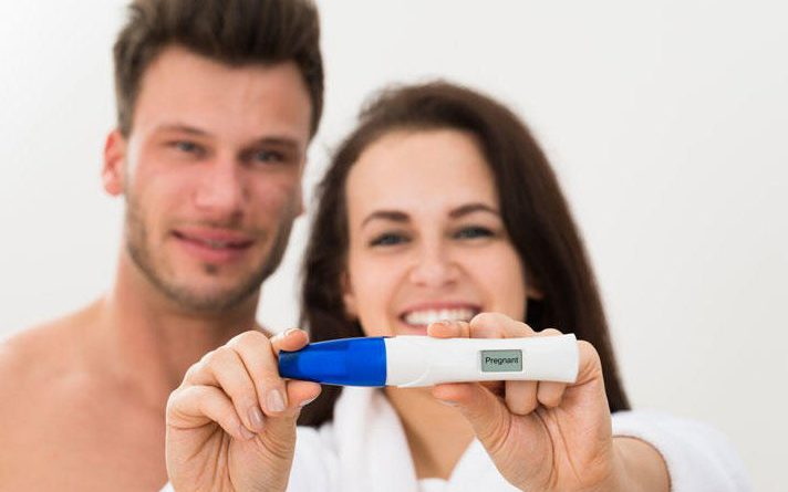 couple pregnancy test